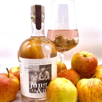 "Organic Dry Gin                                      by Lars Fumic                               ""Jung & Alt"""